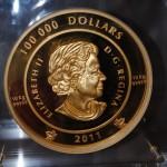 Pièce Elisabeth II 10 kilos 100 000 dollars